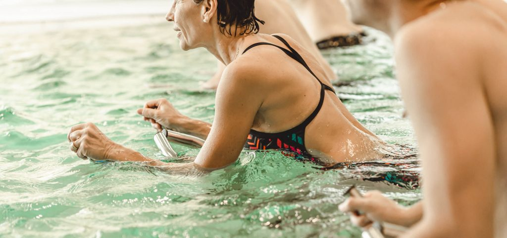 Cours collectif d'aquabike, aquafitness, aquagym